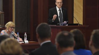 Értékvesztéstől tart a közigazgatási bíráskodásnál a Kúria elnöke