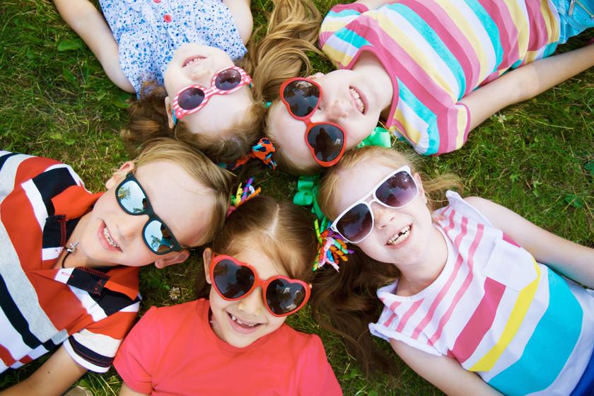 gyerekek-napszemuveg