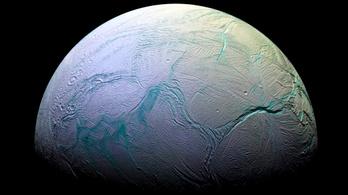 Az élet alapanyagait találták meg a Szaturnusz holdján