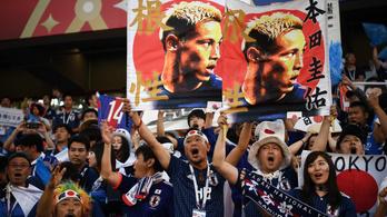 Futball-láz Japánban: szemétszedés, túlcsorduló vécék