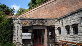 Budapesté lett a Sziklakórház