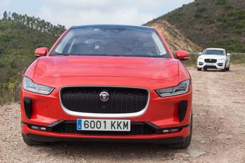 Képtelen összeget költ villanyautókra a Jaguar