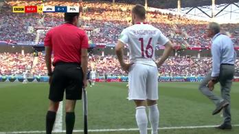 A lengyel kapitány bemutatta a színészkedést, hogy jöhessen a csere