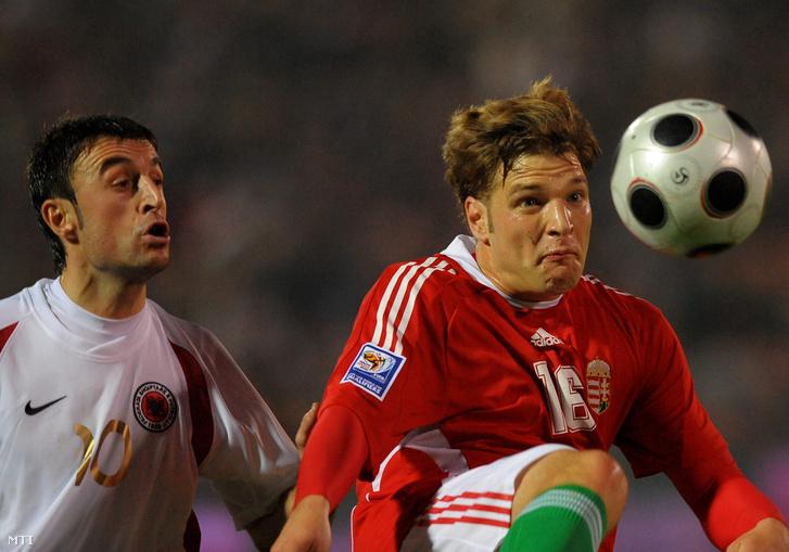 Buzsáky egy 2008-as válogatott meccsen.