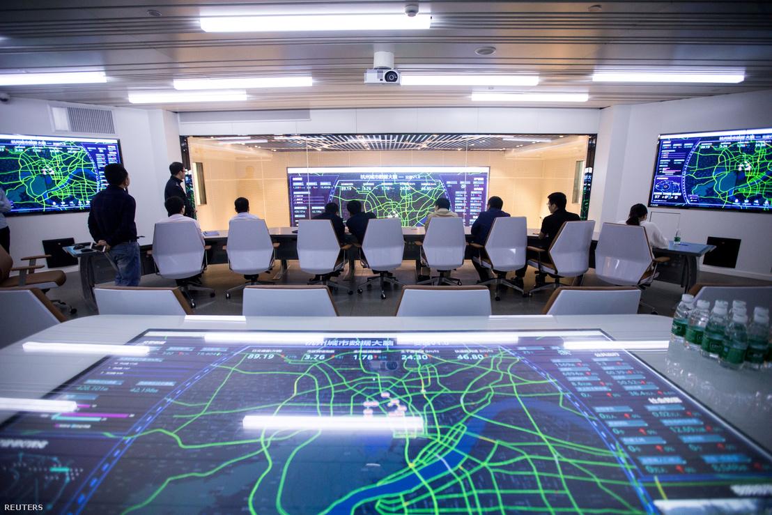 Az Alibaba City Brain forgalomirányító rendszere a kínai Hangzhouban