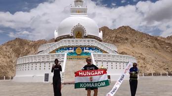 Ötezres hegyre futott fel Szőnyi Ferenc a Himalájában