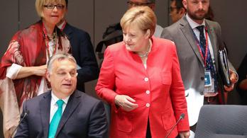 Orbán szerint kacsa, hogy menekültek befogadásáról állapodott meg Merkellel