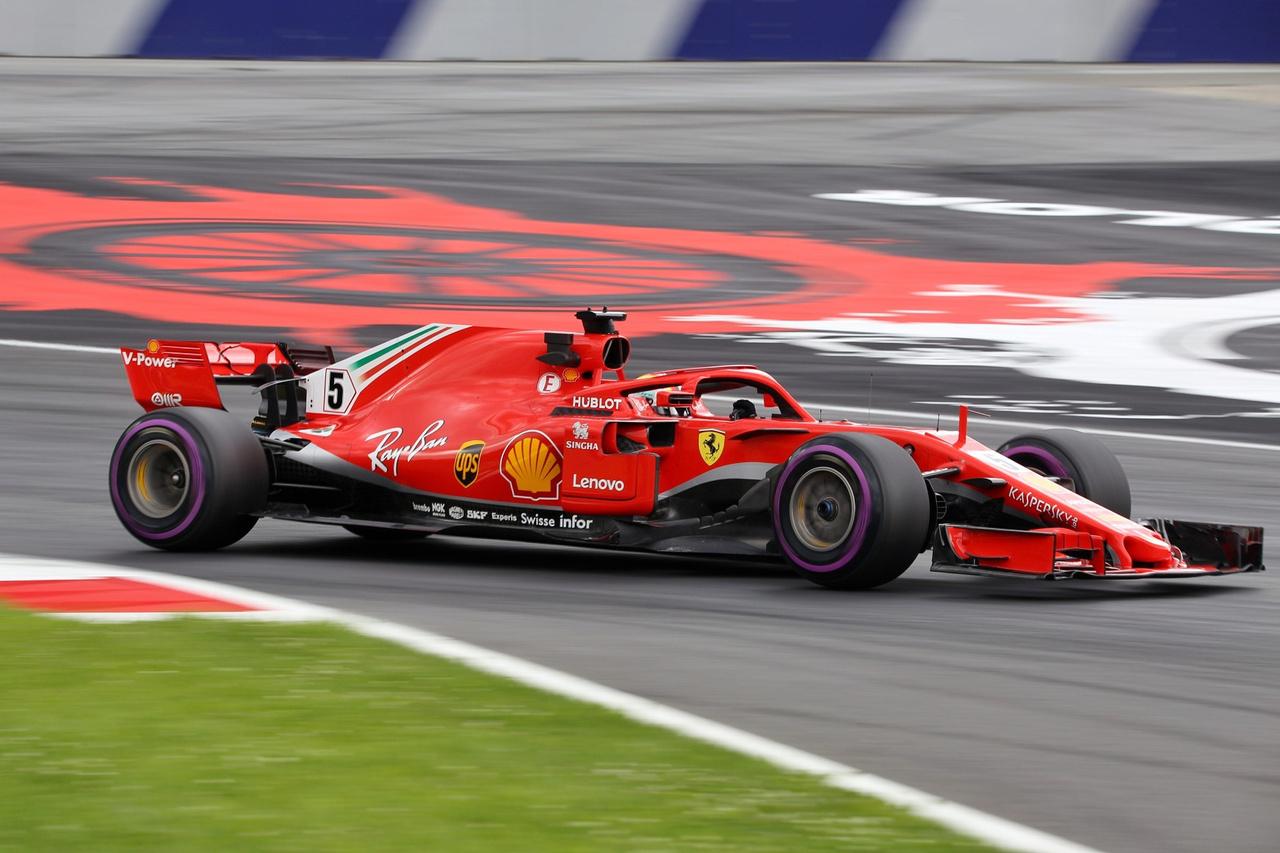 Sebastian Vettel a Ferrarival bármennyire is szétfeszítette magát, ezúttal nem bírta a                          Mercedesek által egész hétvégén diktált őrületes tempót, csupán a harmadik rajthelyről                          indulhat vasárnap. Szombaton délelőtt még megvillant az utolsó szabadedzésen, ám élesben                          már nem tudott mit kezdeni Bottasékkal.