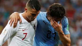 A vb fair play díja: Cristiano Ronaldo segítette le a sérült Cavanit