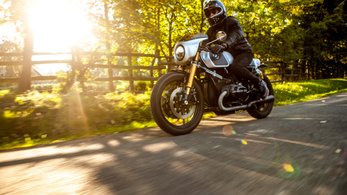 Custom: Sapka Művek BMW R 100 RS