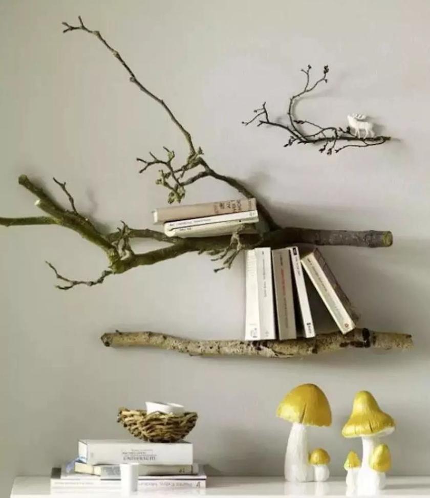 Pár egyszerű fadarabból egy kis kreativitással gyönyörű polc készülhet, ami minden nappalit feldob.