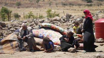 Negyedmillió menekült szorult a jordán és az izraeli határhoz