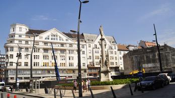 Nem enged Bubi-állomást a Szervita és a Szent István térre a belváros