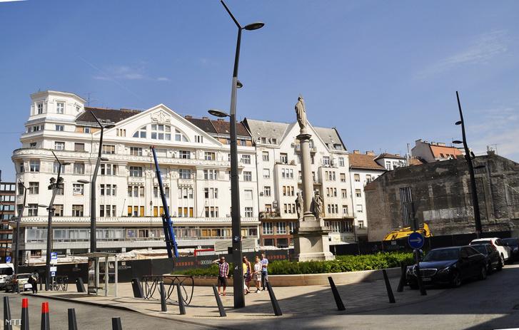 A budapesti Szervita tér