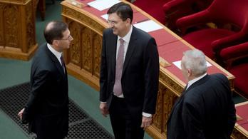 Az ÁSZ most már ellenőrzi a Fideszt és a KDNP-t is