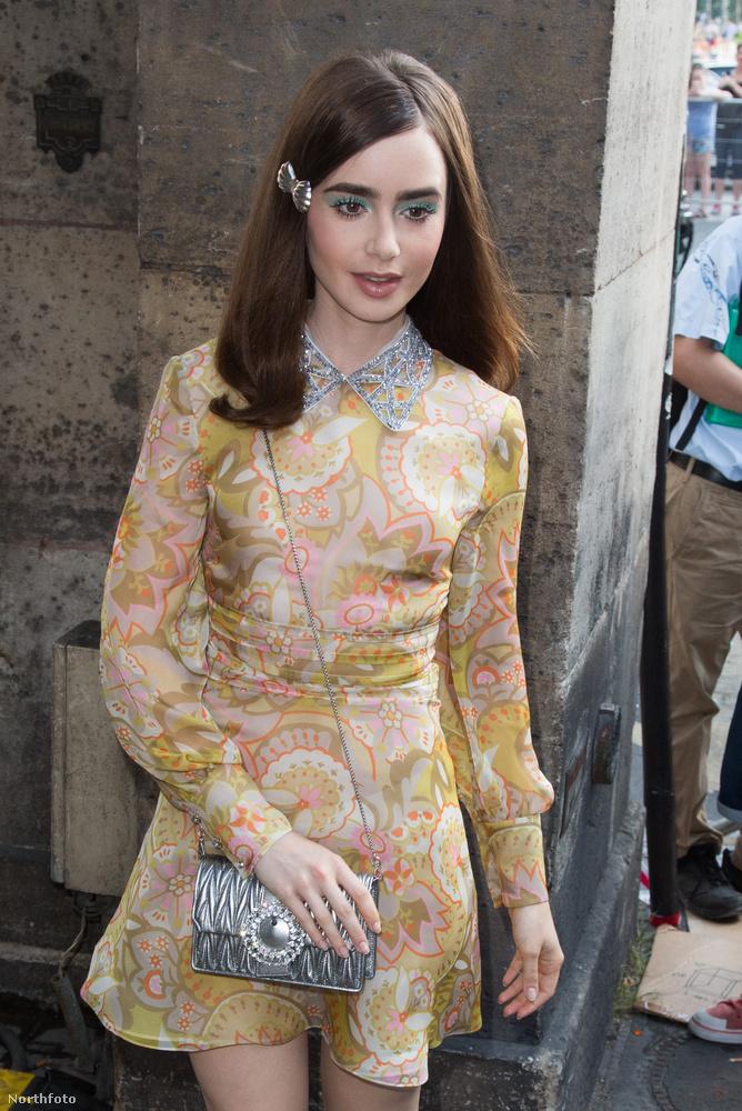 Lily Collins színésznő a szokásos különleges stílusban abszolválta a Miu Miu bemutatóját még szombaton.