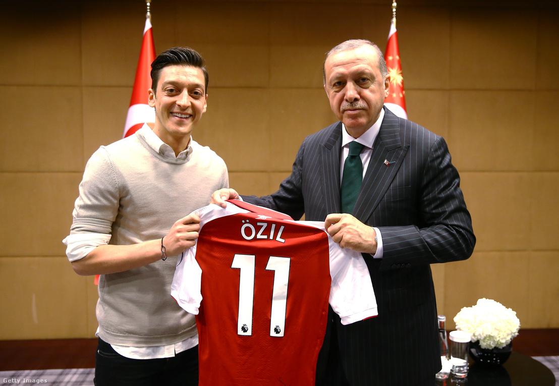 Özil és Erdogan londoni találkozója