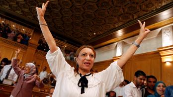 Először lett nő Tunézia fővárosának polgármestere