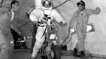 Nem sok kellett hozzá, hogy ember motorozzon a Holdon