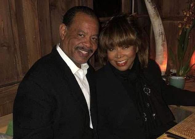 Craig és Tina Turner közös fotón.