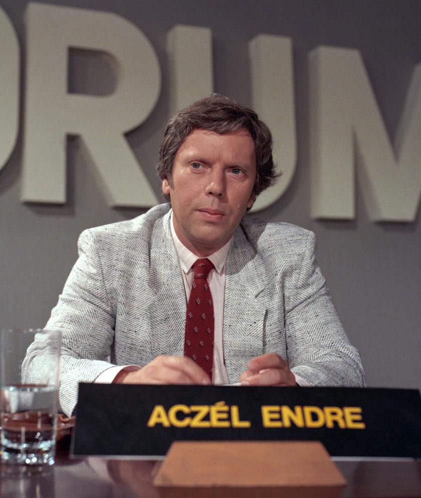 Aczél Endre 1986-ban, a Külpolitikai Fórum című televíziós műsorban.