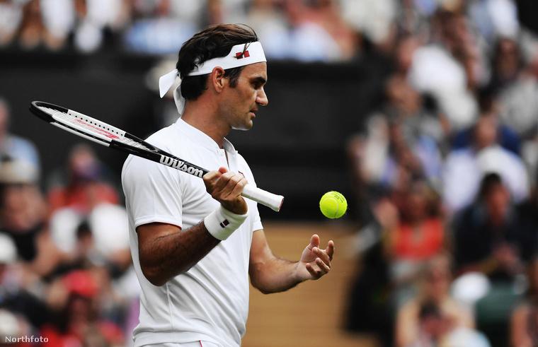 A focista szerdán Wimbledonban bukkant fel, hogy megnézze Roger Federer...