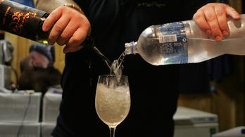 Teli lehet pancsolt borral Budapest belvárosa