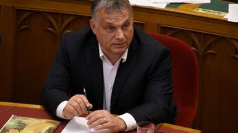 Orbán magához vette a budai szuperkórházprogramot
