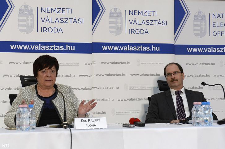 Pálffy Ilona, a Nemzeti Választási Iroda (NVI) elnöke és Patyi András, a Nemzeti Választási Bizottság (NVB) elnöke