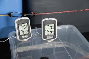 Íme a csodahőmérők. Kb 2 tizedfok eléréssel mértek a külső szenzorok, de a léghőmérséklet mérése amúgy is kissé misztikus terület, de mondjuk ide megfelel