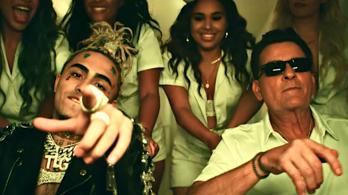 Testhezálló szerepet kapott Charlie Sheen egy rapvideóban