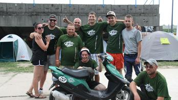 TB24: Szkaliczki Scooter Team