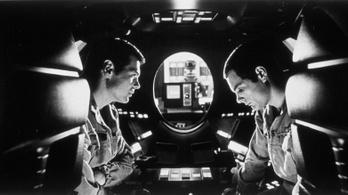 Előkerült egy videó, amiben Kubrick megfejti a 2001 Űrodüsszeia végét