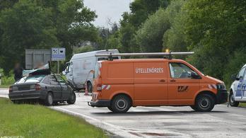Frontális ütközésben halt meg egy nő a 8-as főúton