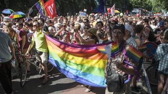 Több mint ezer cég áll ki a Pride mellett