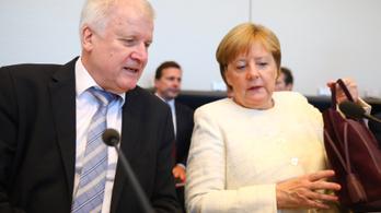 Nemcsak Merkellel, hanem egymással is vitáztak a CSU vezetői