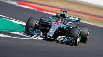 Hamilton 44 ezreddel lopta el a pole-t Vetteltől