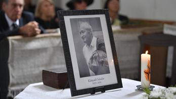 Székelyföldön, a szülőfalujában temették el Kányádi Sándort