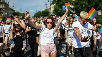 Motoros ellentüntetők között, partizva mertek nagyot álmodni a Pride-on