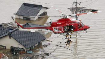 Sokan meghaltak és eltűntek Japánban a heves esőzésekben
