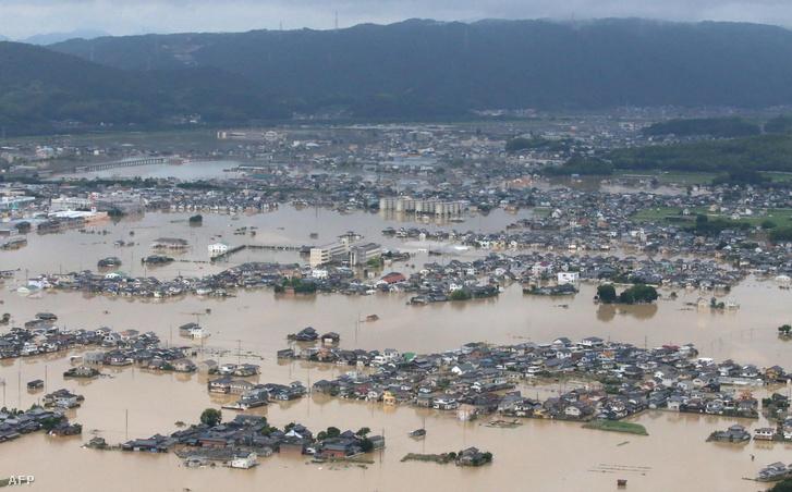 Elöntött házak Kurasiki Okajamában