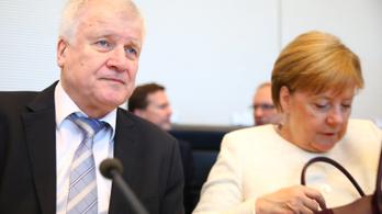 Seehofer szerint az illegális migráció már nem kifizetődő