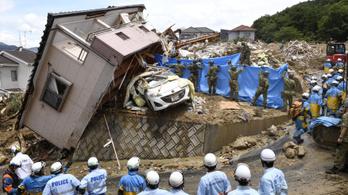 Már legalább százan meghaltak Japánban az esőzés miatt