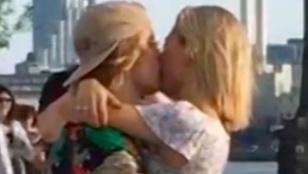 Így szereti egymást a friss jegyespár, Justin Bieber és Hailey Baldwin