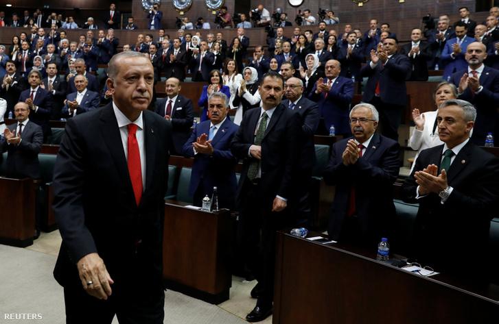 Tayyip Erdogan a parlamentben, Ankarában, 2018. július 7-én