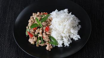 Apróra vágott, chilis, bazsalikomos húsra vágynak a kiszabadult thai gyerekek