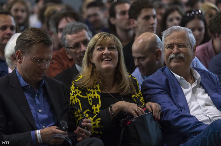 Schmidt Mária történész a Terror Háza Múzeum és a XX. Század Intézet főigazgatója Milo Yiannopoulos előadásán a budapesti Bálnában 2018. május 25-én