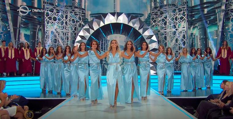 Az élő versenybe idén is 16 lány került, akiknek a száma egyre csökkent, ahogy közeledett a végső döntés pillanata