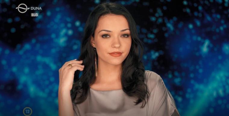 Kovács Vivien: Szeretek táncolni buliban vagy otthon, takarítás közben, mindig szól a zene, ebből kifolyólag a kedvenc hobbim a tánc.