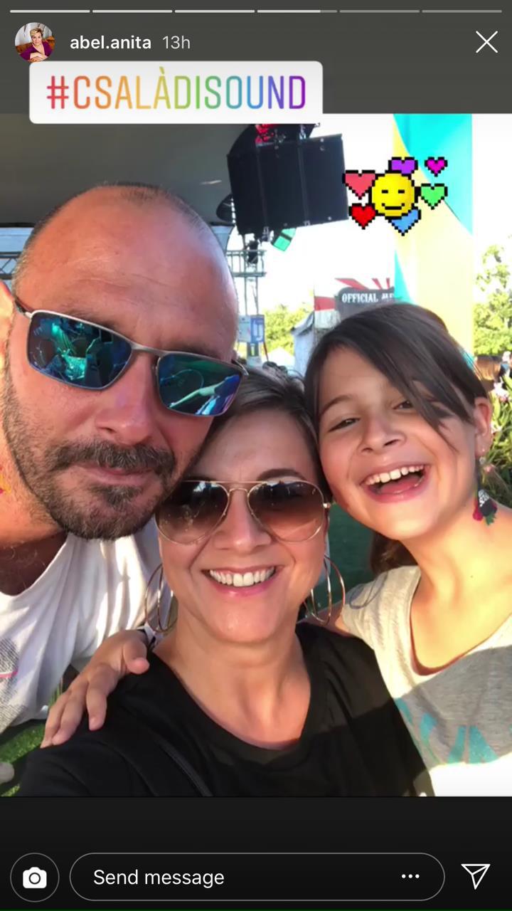 Ábel Anita és családja is ott voltak az idei Balaton Soundon. A tündéri Luca láthatóan nagyon jól szórakozott a rendezvényen.